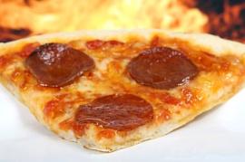 Космонавты показали, как приготовить и съесть пиццу на МКС