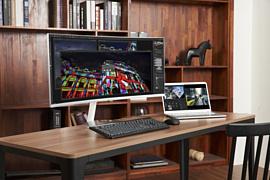 Samsung начала продажи искривленного монитора с Thunderbolt 3