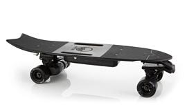 Riptide R1 Black — электрический скейтборд для любителей карвинга