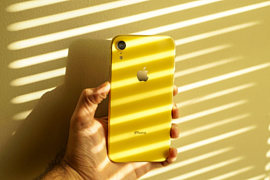 Новый Apple iPhone XR будут продавать в зеленом и лавандовом корпусах