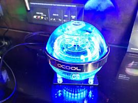 Alphacool начала продажи Eisball, нового необычного резервуара для систем охлаждения
