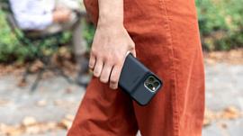 Zagg выпустила новые чехлы Mophie с аккумуляторами для iPhone 11