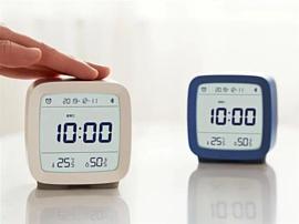 Xiaomi выпустила умный будильник с датчиками температуры и влажности