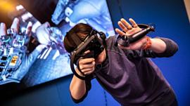 Видео: журналисты поиграли в Half-Life: Alyx с разными VR-шлемами