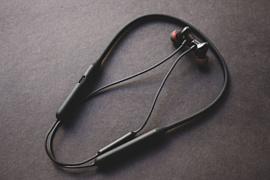 Слух: OnePlus готовит к анонсу беспроводные наушники Bullets Wireless Z