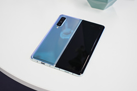 Слух: Samsung выпустит Galaxy Fold Lite за $1100