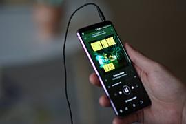 Количество пользователей Spotify достигло 299 млн