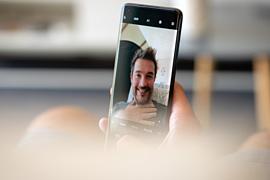 Xiaomi Mi 10 Ultra с подэкранной селфи-камерой попал на видео