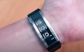 Sony показала новый умный браслет Wena 3