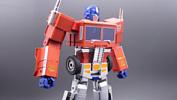 Hasbro показала игрушечного Оптимуса Прайма, который может трансформироваться по команде