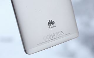 Доходы Huawei выросли на 40% за год