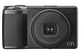 «Ультимативная компактная камера» Ricoh GRIII появится в продаже в 2019