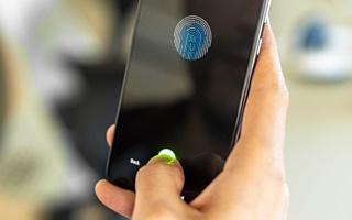 Xiaomi Mi A3 оснастят встроенным в экран сканером отпечатков пальцев