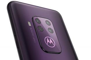 Утечка: рендеры Motorola One Zoom с четверной камерой