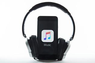 Apple придется заплатить больше $300 млн за DRM-патент