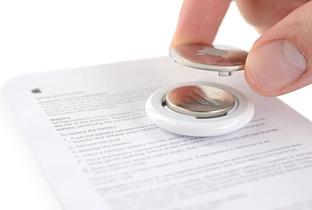 Эксперты iFixit заглянули внутрь Apple AirTag и просверлили в нем отверстие