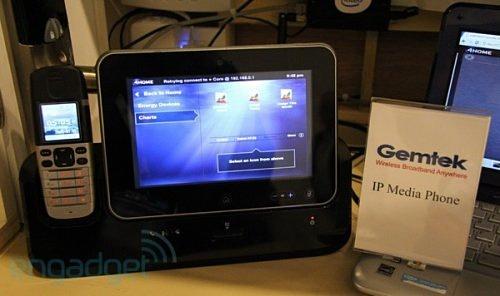 Система от Gemtek: MeeGo-планшетник работает в паре с DECT-телефоном