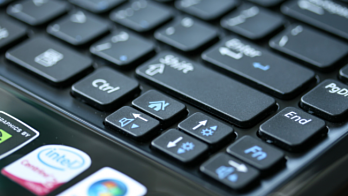 Лэптопы будущего будут заряжаться во время нажатия клавиш, а камеры – во время спуска затвора