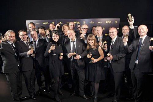 Джонатан Айв впервые вывез всю команду дизайнеров Apple на получение престижной награды