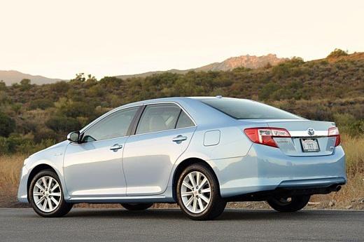 Toyota отзывает 885 тысяч автомобилей