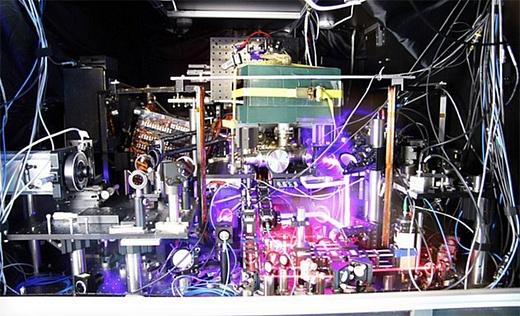 Самые точные атомные часы не теряют точности на протяжении 5 млрд лет