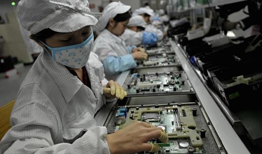 Foxconn заменила роботами 60 тысяч работников
