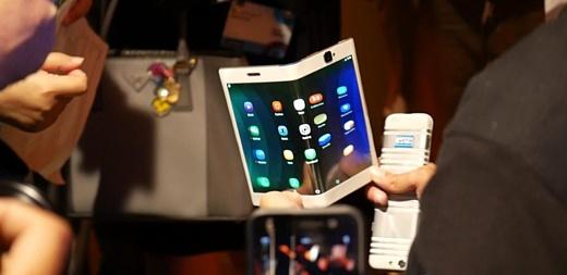 Слух: LG тоже собирается выпускать гибкие смартфоны в 2017