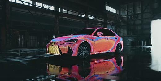 Видео: Lexus покрыла свой автомобиль тысячами светодиодов