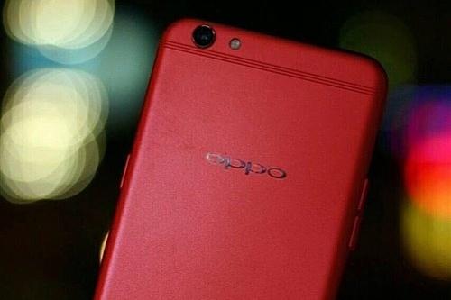 В сеть попало фото красного Oppo R9s