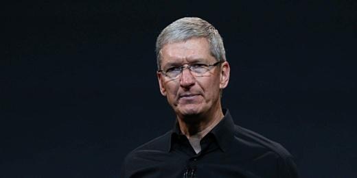 Бывший инженер Apple обвинил Тима Кука в том, что компания стала «скучной»