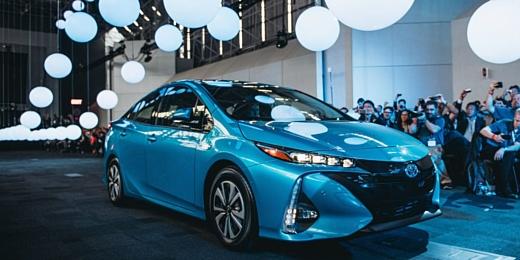 Toyota похвасталась 10 млн проданных гибридов