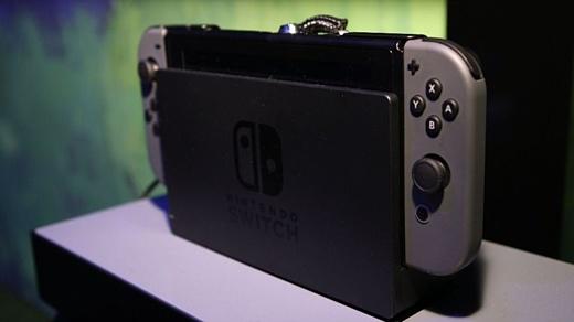 Видео: американец получил Nintendo Switch раньше времени