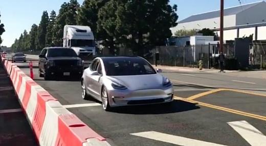 Видео: прототип Tesla Model 3 заметили на улицах Калифорнии