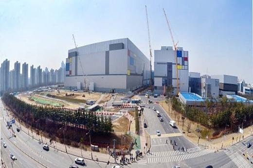 Samsung инвестирует в производство 10 нм и 7 нм чипов $7 млрд