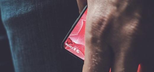 Один из создателей Android показал свой новый смартфон