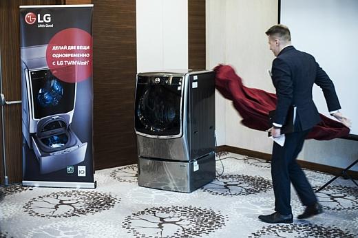 Всему свое… место! Компания LG презентовала уникальную стиральную машину с двумя барабанами