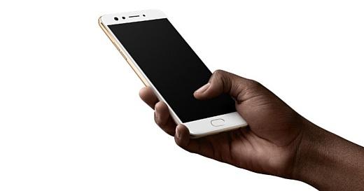 Oppo представила смартфон F3 с двойной селфи-камерой