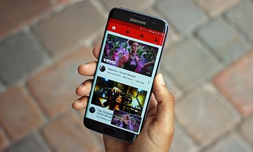YouTube каждый месяц пользуются больше 1.5 млрд человек