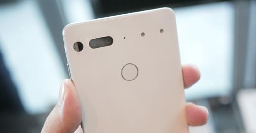 На создателей смартфона Essential подали в суд