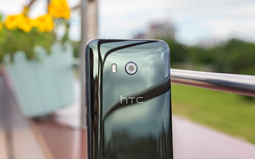 Новый HTC U11 появился в базе данных GFXBench