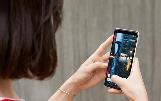 Владельцы новых Google Pixel пожаловались на сбои в работе Android Auto