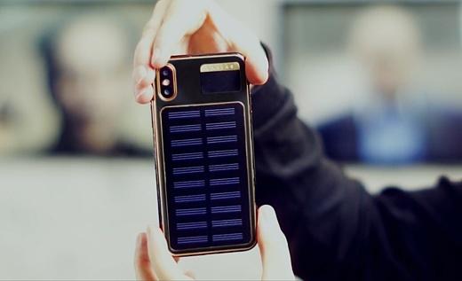 Caviar выпустила iPhone X с солнечной батареей