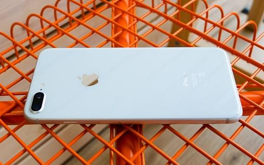 На Apple подали в суд из-за двойной камеры iPhone