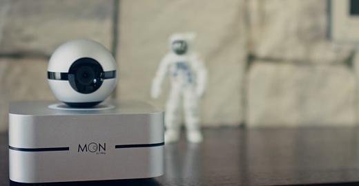 Moon — «плавающая» умная камера для дома