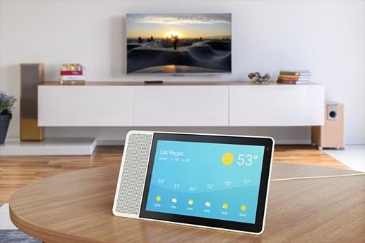 Google Assistant появится на умных домашних экранах