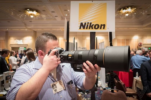 Nikon привезла на CES 2018 объектив за $12400