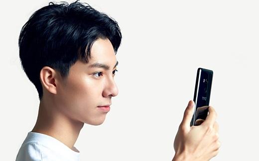 HTC анонсировала среднебюджетный U11 EYEs с двойной селфи-камерой