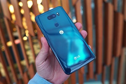 LG показала смартфоны V30S ThinQ и V30S+ ThinkQ