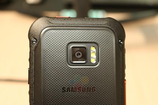 Утечка: фото нового защищенного смартфона Samsung