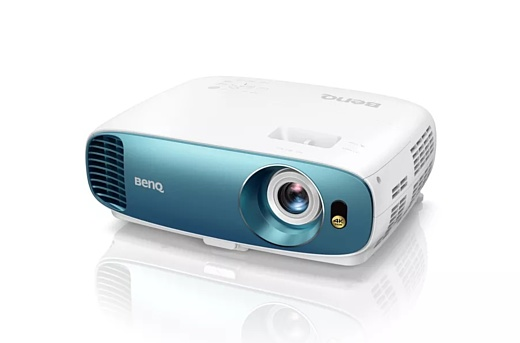 BenQ показала бюджетный 4К-проектор TK800